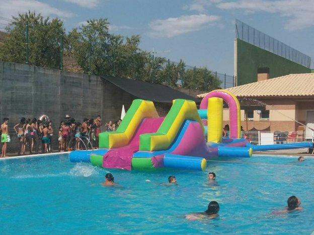 Fiestas en julio y agosto en las piscinas de cervera y sus for Piscina cervera