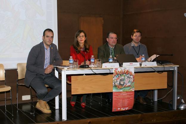 Jonás Olarte, Aurora Martínez, Jesús Ángel Solórzano y Jelle Haemers, en el acto inaugural de los Encuentros Medievales