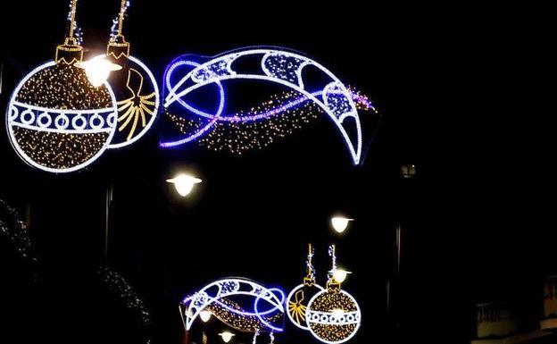Un mercado da ambiente solidario al encendido de las luces - Luces de ambiente ...