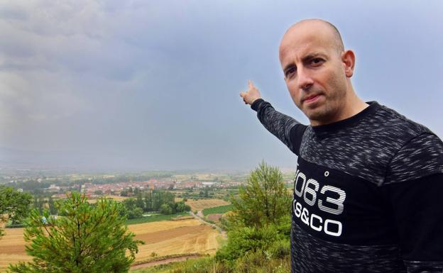 José Rey, también aficionado al cielo y su comportamiento.:: Miguel Herreros