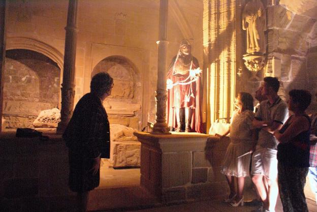 Una de la escenas que se pueden ver en la vista al Monasterio de Santa María la Real