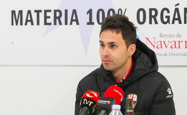 Sergio Rodríguez quiere que el Mirandés «sepa que juega fuera de casa»